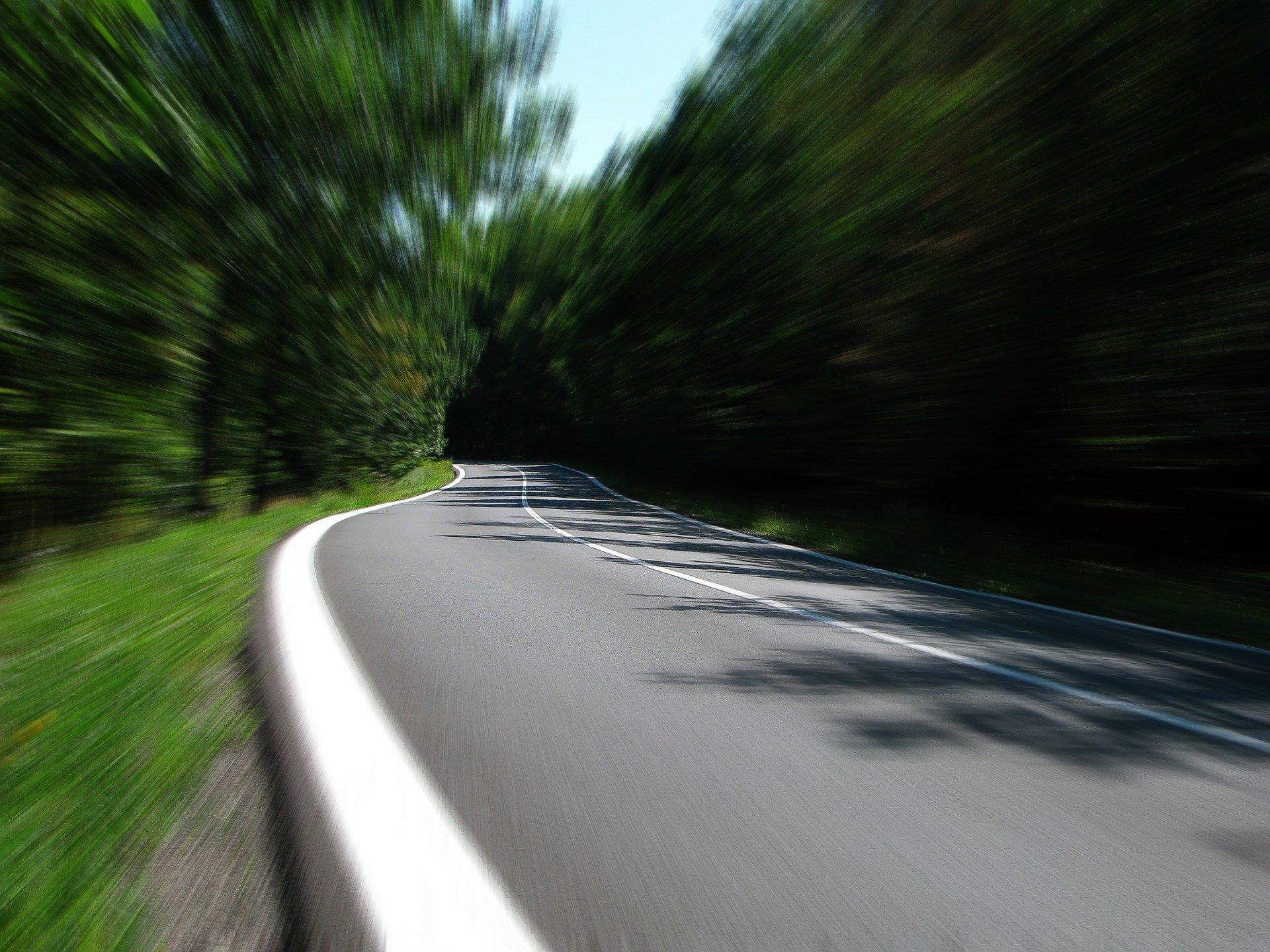 Was ist eine Fahrbahnschwelle